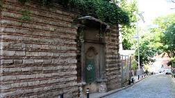 Beşiktaş'taki Tarihi Çeşmede Büyük Tahribat