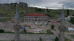 Kars'taki Beylerbeyi Sarayı Eski İhtişamına Kavuşuyor
