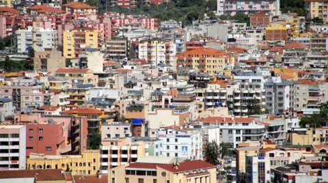 İzmir'de Yapı Stoğu Yaşlı