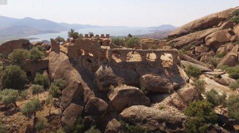 Tarihi Yediler Manastırı Kaderine Terk Edildi