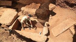 İnşaat Kazısında 2 Bin 400 Yıllık Mezar Bulundu