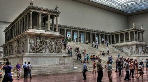 Sürgündeki Zeus, Bergama'ya Dönebilir