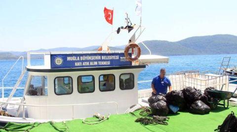 Muğla'da Teknelerden 110 Ton Katı Atık Toplandı