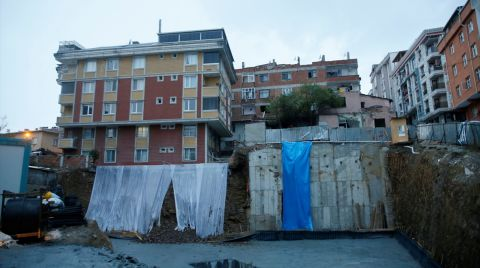 Gaziosmanpaşa'da Toprak Kayması Nedeniyle Tahliye