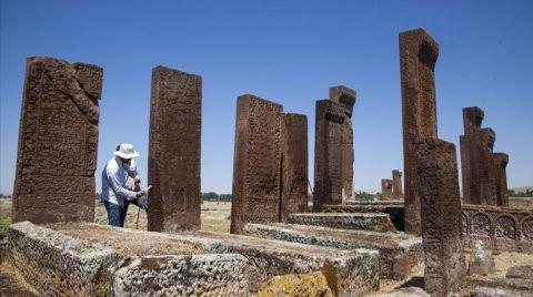 Selçuklu Meydan Mezarlığı'nda Restorasyon Sürüyor