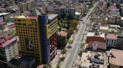 'Dünyanın En Saçma Binası' Yıkılacak