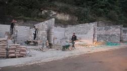 Dereli'de Esnafın Geçici Binalarının Yapımı Başladı