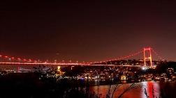 İstanbul'da Köprüler DMD Farkındalığı için Aydınlatıldı