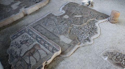 Germanicia'da Sergilenen Mozaik Alanları Artıyor