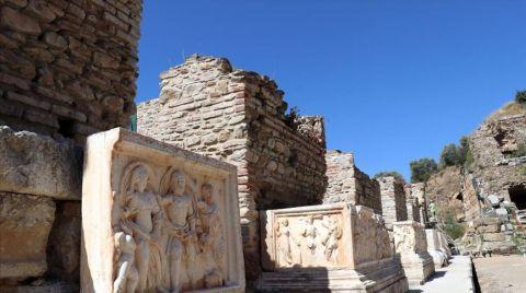 Nysa Antik Kenti'nin Tiyatro Binası Ayağa Kaldırılıyor
