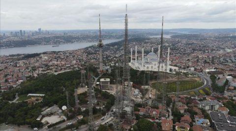 Çamlıca Tepesi'ndeki Eski Antenler Kaldırılıyor