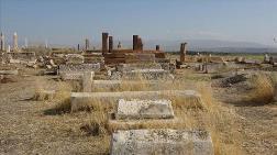 Van'daki Selçuklu-Karakoyunlu Mezarlığı Restore Edilecek