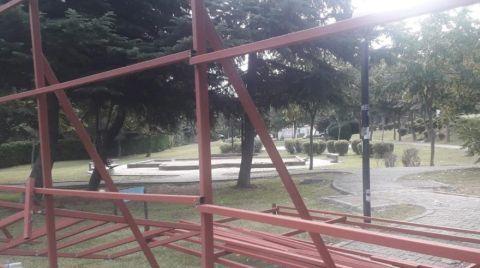 Belediyenin Yol Geçirmek İstediği Parkta Nöbet