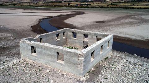 Barajda Sular Çekildi, Köy Kalıntıları Ortaya Çıktı