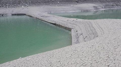 Yuvacık'ta Su Seviyesi Düştü, Köprü Ortaya Çıktı