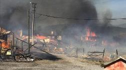 Bolu'da 11 Eve Sıçrayan Yangın Söndürüldü