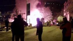 Tunceli'de, 2 Katlı Ahşap Bina Yandı
