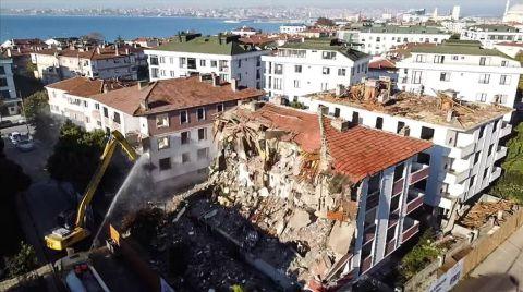 Büyükçekmece'de Risk Taşıyan 13 Bina Daha Yıkılıyor