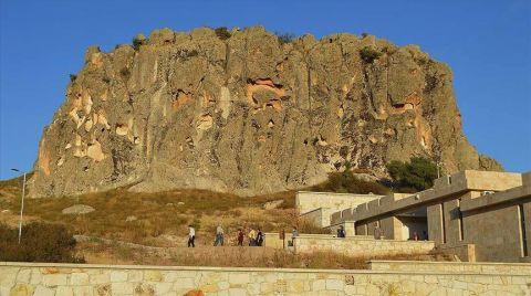Frigya'da Tarihi Eserler Temizleniyor