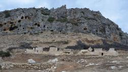 Karaman'daki Kazılarda Sarnıç ve Kale Surları Bulundu