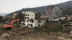 Doğankent'te Riskli Binalar Yıkılıyor