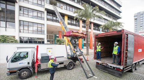 İzmir Büyükşehir Belediye Binası Boşaltılıyor
