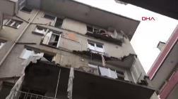 Avcılar'da Binanın Balkonları Çöktü