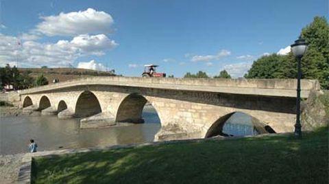 Tarihi Köprüler Turizme Kazandırılıyor