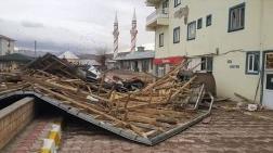 Otlukbeli'nde Fırtına Çatı Uçurdu