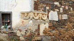 Ev Duvarında Kullanılan Antik Lahit Müzeye Taşınacak