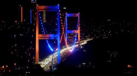 FSM Köprüsü Dünya Kanser Günü'ne Dikkat Çekmek için Işıklandırıldı