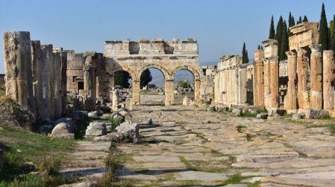 Hierapolis Antik Kenti Tehlikede