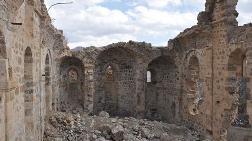 Tarihi Kilise, Definecilerin Talanına Uğradı
