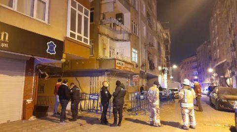 Zeytinburnu'nda Balkon Çöktü