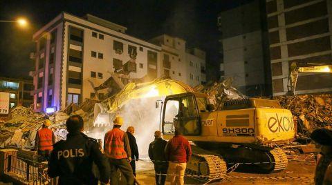 İzmir'de Kontrollü Yıkım Sırasında Bina Çöktü