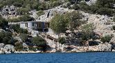 Demre'deki Kaçak Villanın Yıkım Süreci Başladı