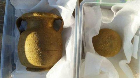 Tarlasını Sürerken 2000 Yıllık Lahit Buldu