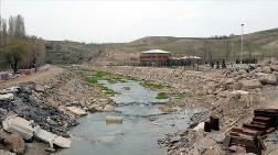 Ahlat'taki Millet Bahçesi'nde Çalışmalar Sürüyor