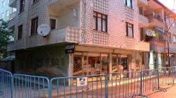 Pendik'te Depremden Etkilenen Bina Boşaltıldı