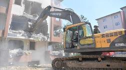 Tuzla'da Riskli Binalar Yıkılıyor