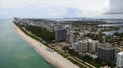 Miami'de Bir Kısmı Çöken Bina Kontrollü Şekilde Yıkıldı