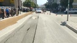 Şehrin Ortasında Yol Çöktü