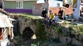 Tarihi Taş Köprü, Evler Arasında Kayboldu