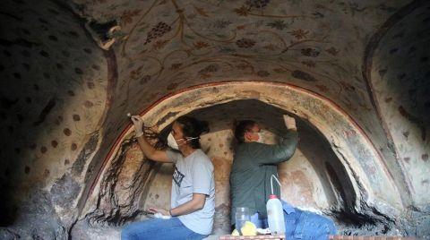 Blaundos Antik Kenti'nde 400 Kaya Mezarı Tespit Edildi
