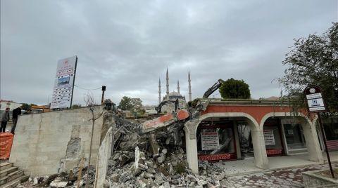 Selimiye Meydanı Düzenleme Çalışmalarında Dükkanların Yıkımına Geçildi