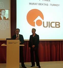 Gunnel Adlercreutz ve Barış Onay ödülü anons ederken