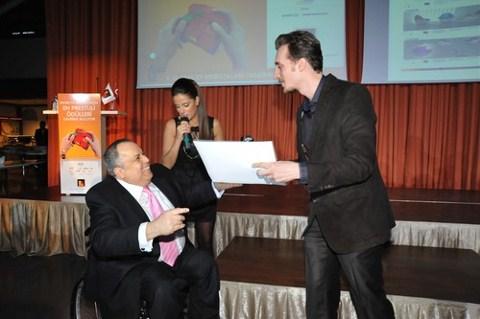 Engelliler için ev mobilyası kategorisinde ikincilik ödülünü alan Ertunç Vatanperver
