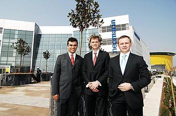 Krea Grup İcra Kurulu Üyesi Zafer Ergüven ve Maxence Liagre, Krea Grup CEO'su Hakan Kodal