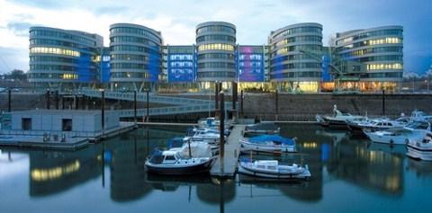 3M Yapısal Cam Yapıştırıcı Bandı uygulanan Five Boats projesi