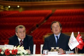 ATO Başkanı Salih Bezci (solda) ve Olivier Ginon